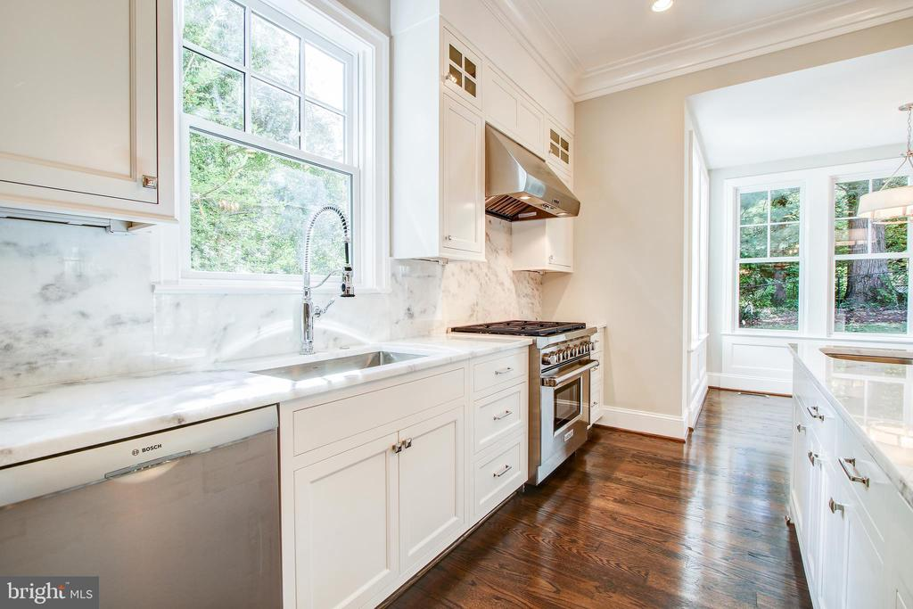 Terrific work space for the chef - 3206 ROLLING RD, CHEVY CHASE