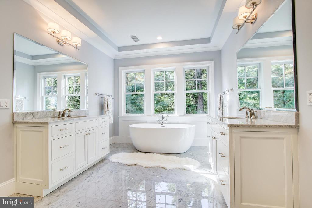 over the top master bath - 3206 ROLLING RD, CHEVY CHASE