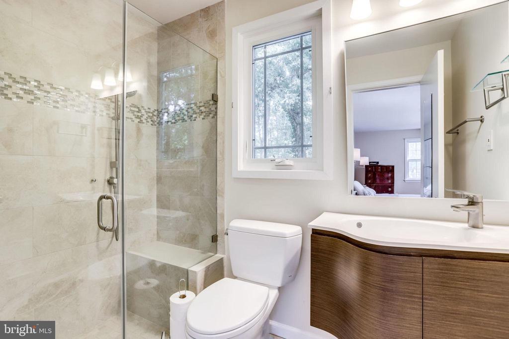 Renovated Master Bath - 3800 DENSMORE CT, ALEXANDRIA