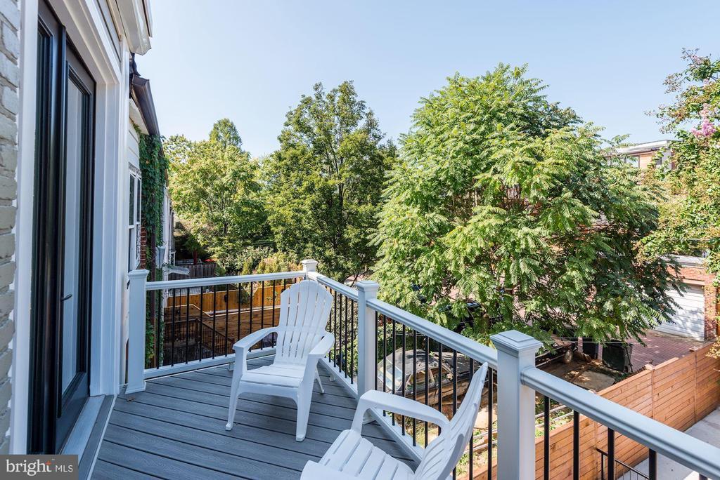 One of TWO Decks! - 1715 KENYON ST NW #2, WASHINGTON