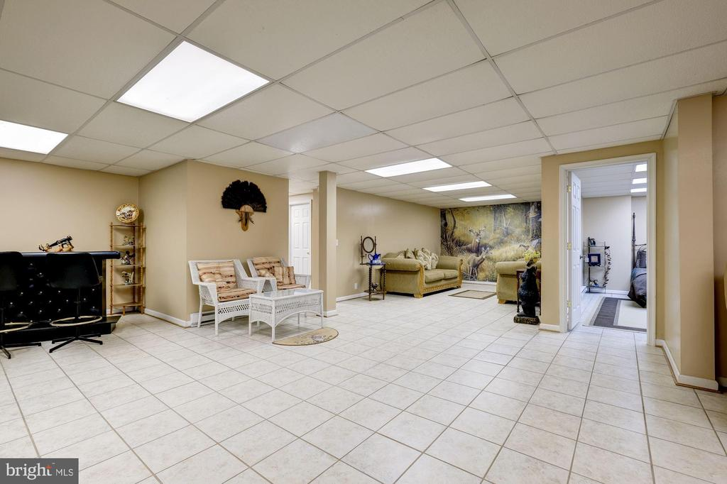 Game Room - 12906 TOWER RD, THURMONT