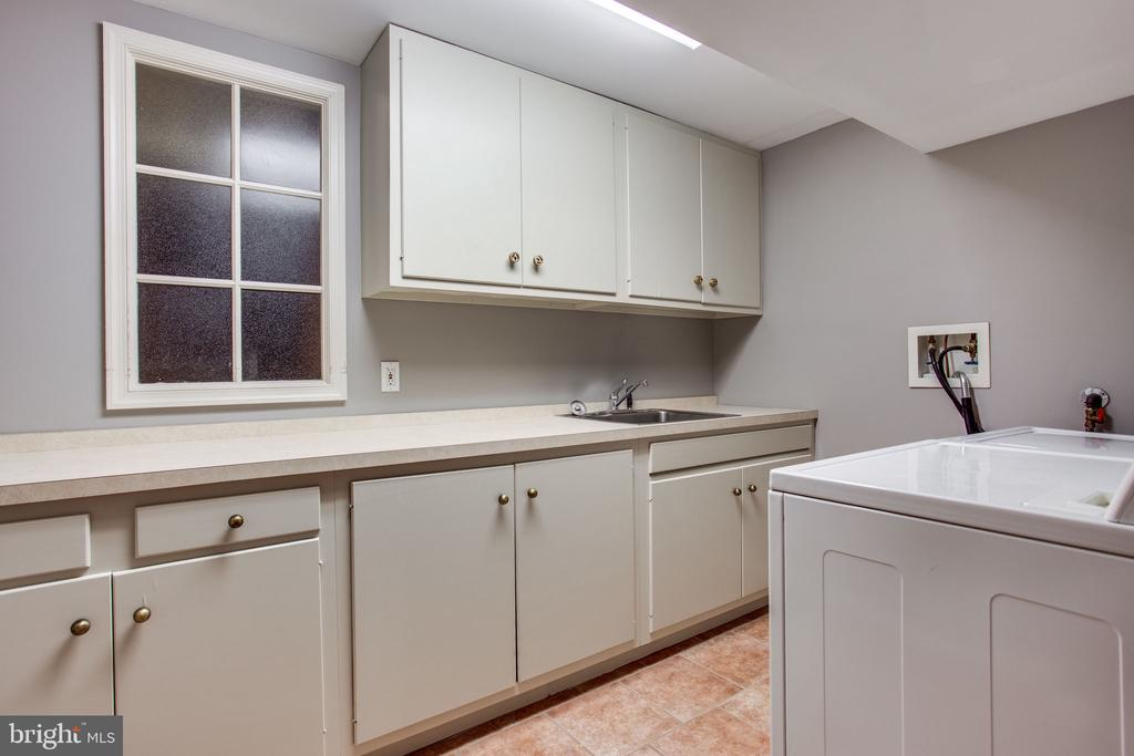 Lower Level - Laundry Room - 5226 39TH ST NW, WASHINGTON