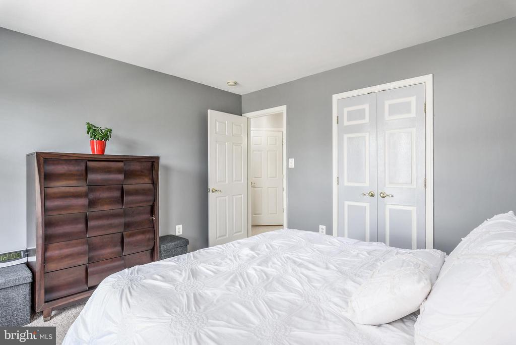 spacious bedrooms - 20776 BRIDALVEIL FALLS TER, STERLING