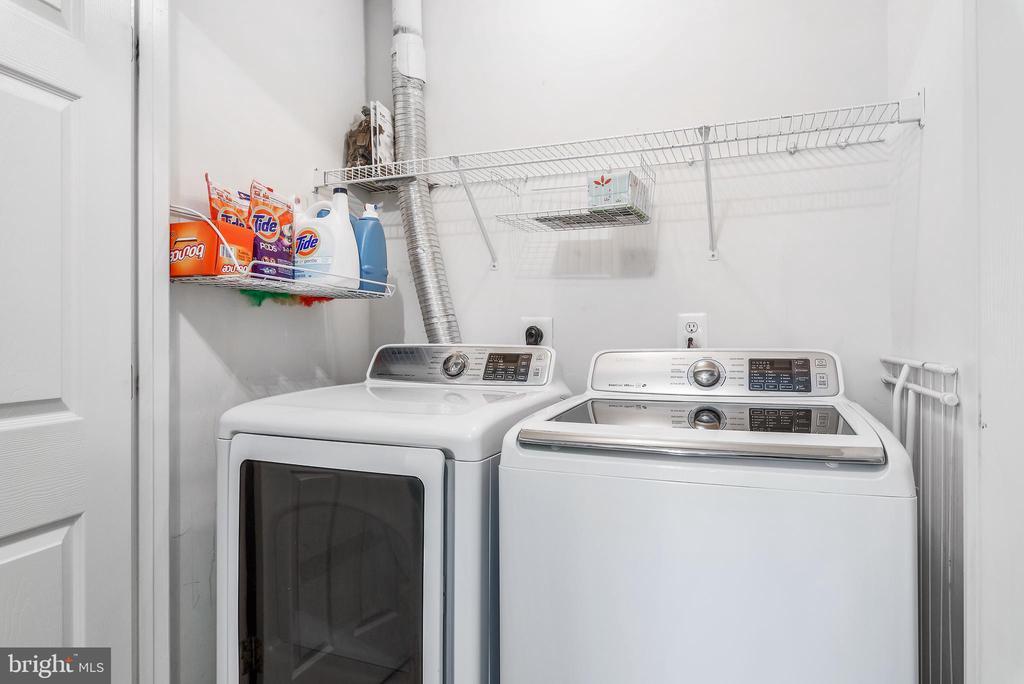 Laundry upstairs - 20776 BRIDALVEIL FALLS TER, STERLING