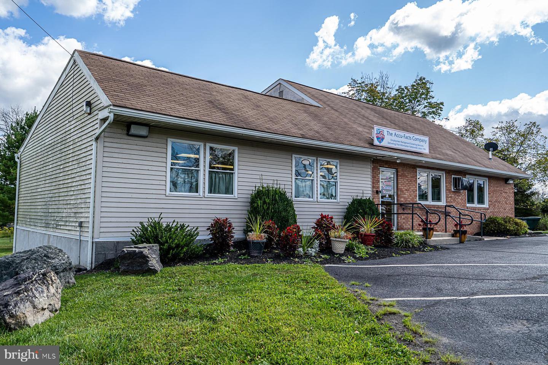 Single Family Homes للـ Sale في Zieglerville, Pennsylvania 19492 United States
