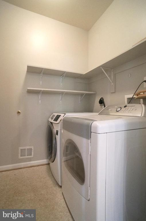 HE Front Load Washer & Steam Dryer Convey - 2004 WAVE DR, STAFFORD