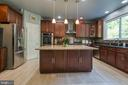 Chef's dream kitchen. - 12 SILVERLEAF CT, STAFFORD