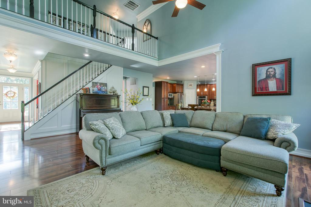 Cat walk above the two-story Family Room - 12 SILVERLEAF CT, STAFFORD
