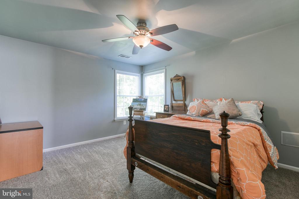Bedroom 3 with Ceiling Fan - 12 SILVERLEAF CT, STAFFORD