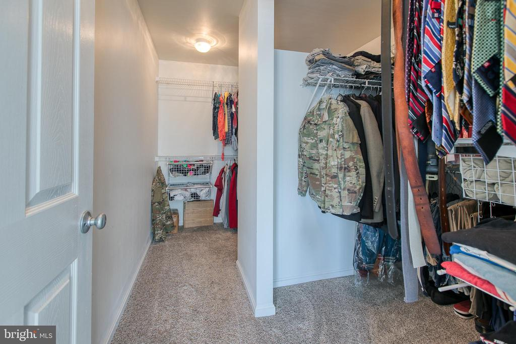 Large Walk-in closet - 12 SILVERLEAF CT, STAFFORD