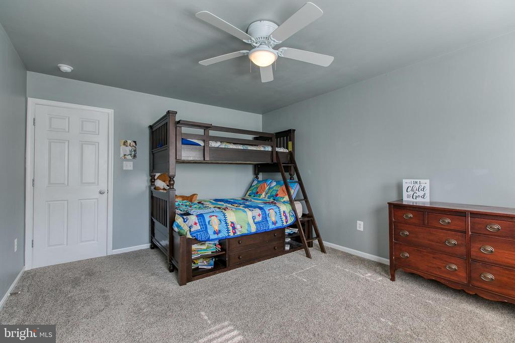 Bedroom 4 has a huge walk-in closet - 12 SILVERLEAF CT, STAFFORD
