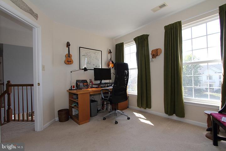 Upper level bedroom #2- Alt view - 806 SANTMYER DR SE, LEESBURG