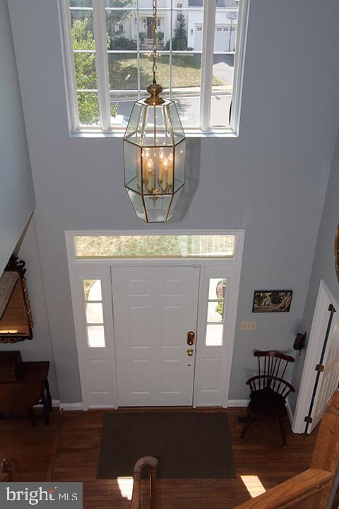 View of foyer from upper level - 806 SANTMYER DR SE, LEESBURG