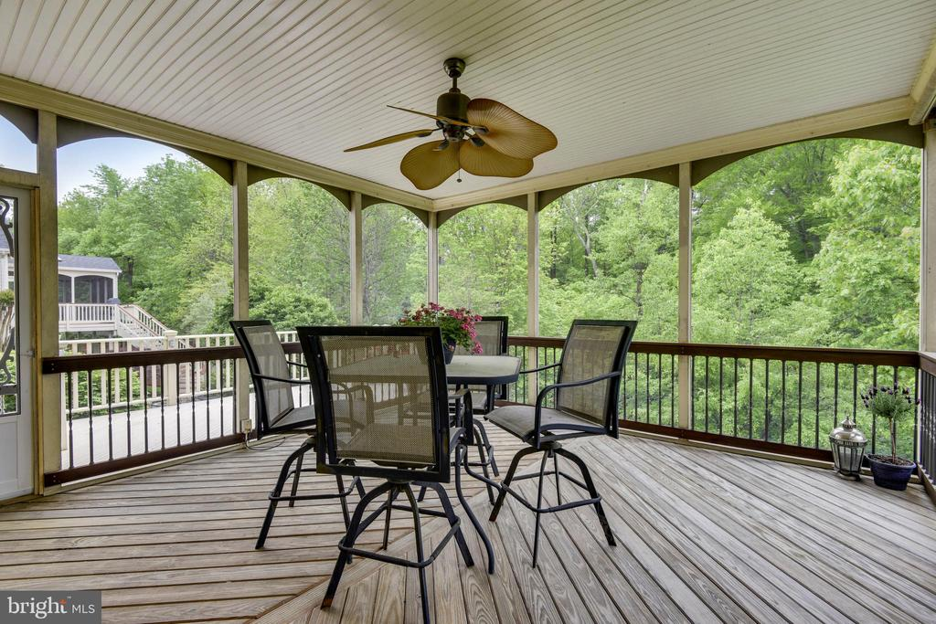 Screened Porch for dining al fresco! - 6846 CREEK CREST WAY, SPRINGFIELD