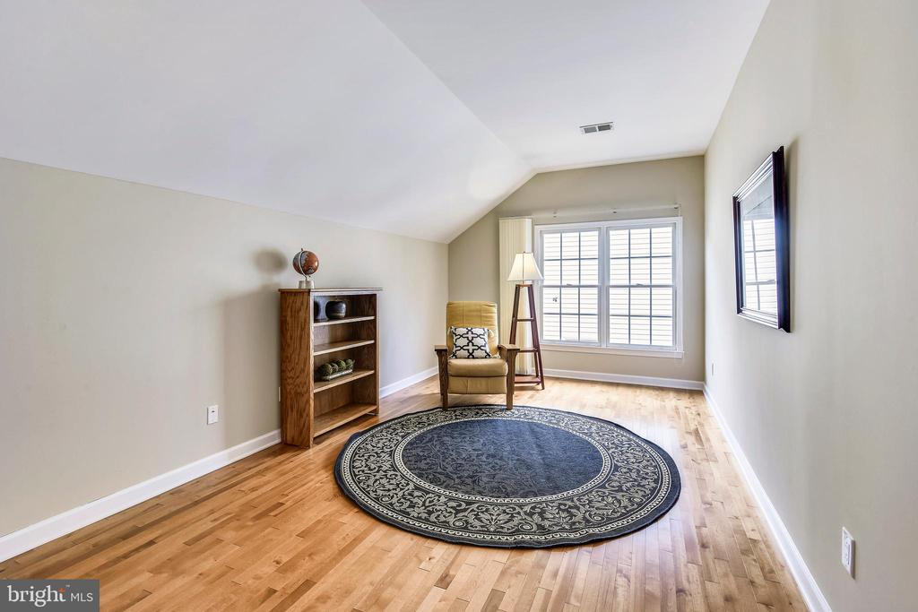 Large 5th Bedroom-great guests or au pair! - 6846 CREEK CREST WAY, SPRINGFIELD