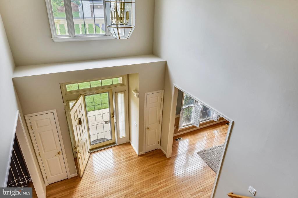 Dramatic Entryway from above! - 6846 CREEK CREST WAY, SPRINGFIELD