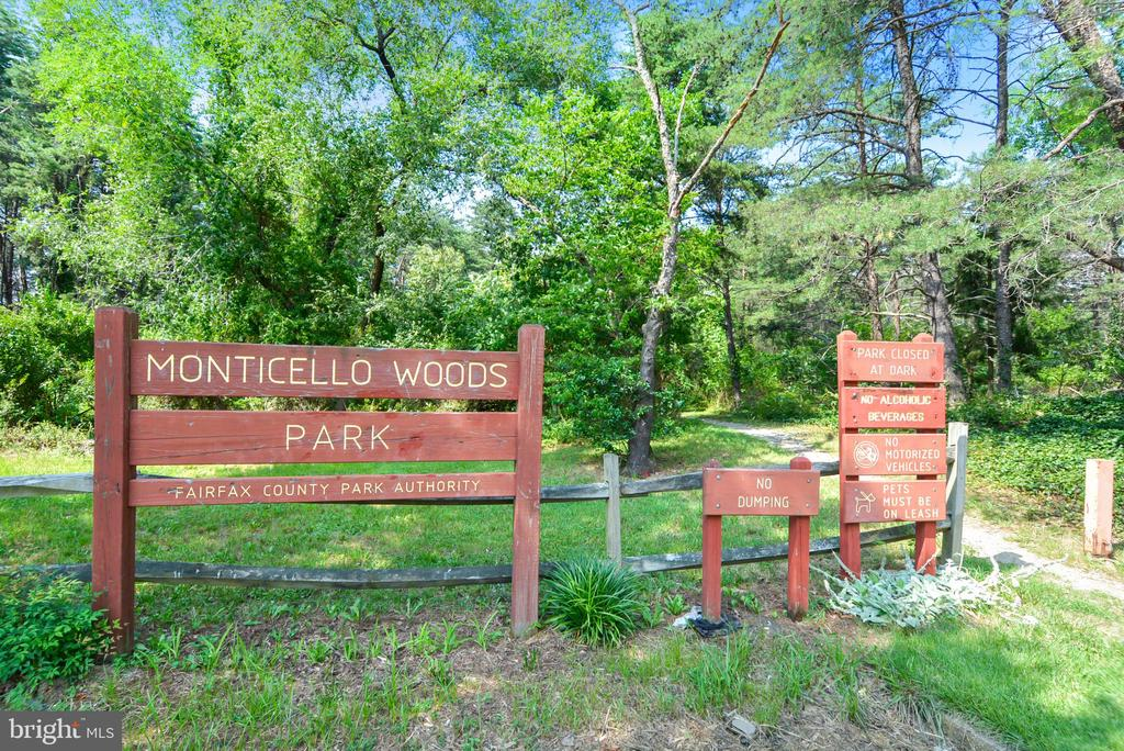 Great parks nearby! - 6846 CREEK CREST WAY, SPRINGFIELD