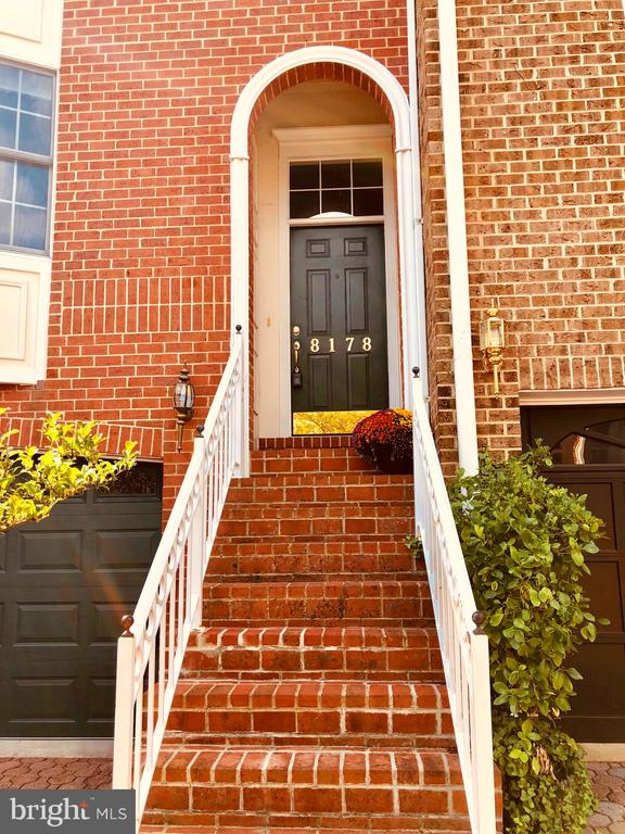 Beautiful Brick stairway & entrance to greet you! - 8178 MADRILLON CT, VIENNA