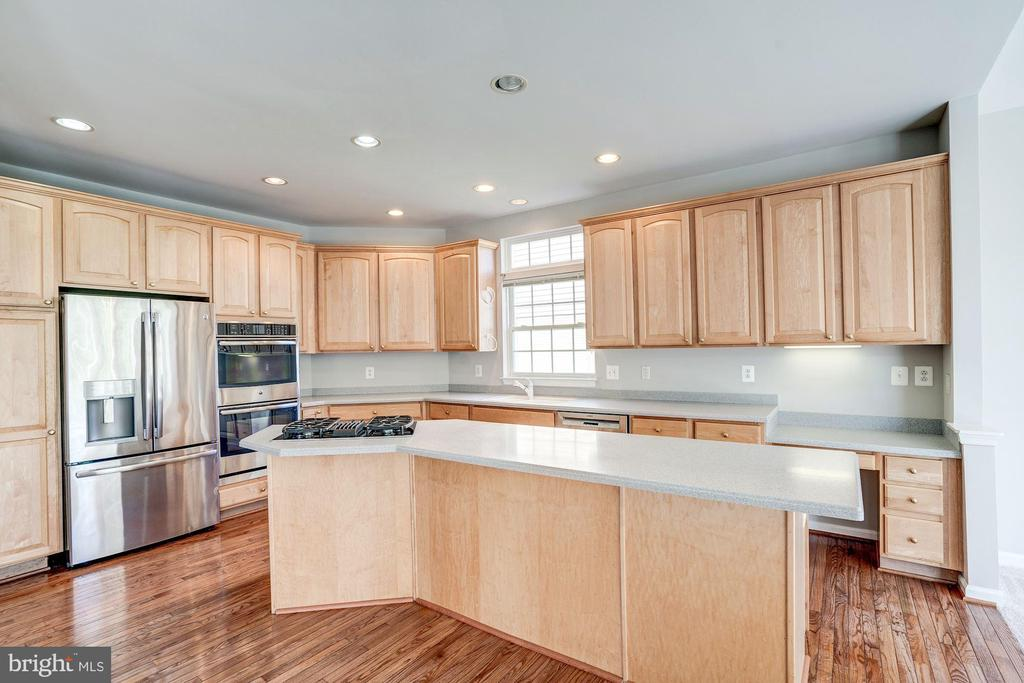 Amazing gourmet kitchen - 5675 CLOUDS MILL DR, ALEXANDRIA