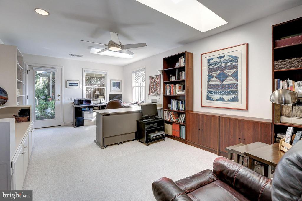 Large Office or multi-use room w/ walkout to yard - 5119 BRADLEY BLVD, CHEVY CHASE