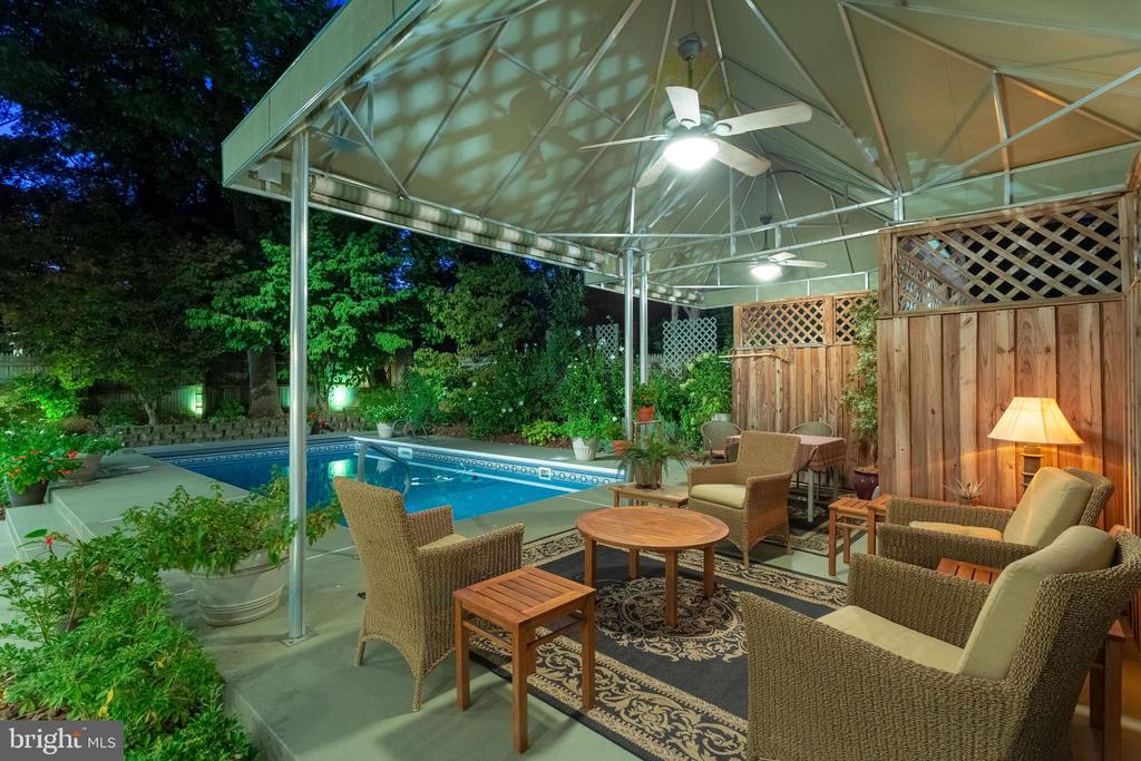 Sitting comfortably on summer nights poolside - 5119 BRADLEY BLVD, CHEVY CHASE