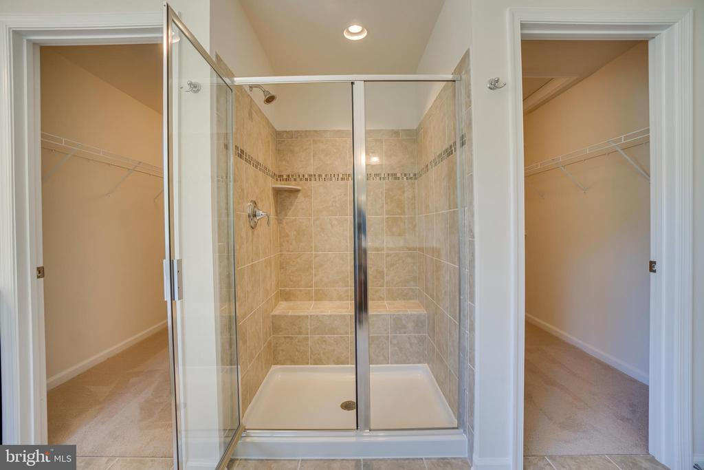 Master Shower - 219 ROCK RAYMOND DR, STAFFORD