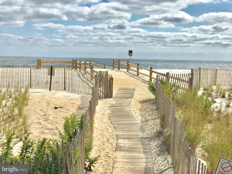 Single Family Homes pour l Vente à Point Pleasant Beach, New Jersey 08742 États-Unis