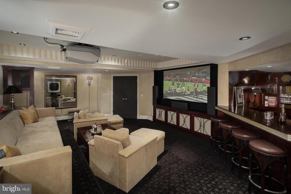 Media Room with full bar, bespoke details - 733 N SPRING MILL RD, VILLANOVA