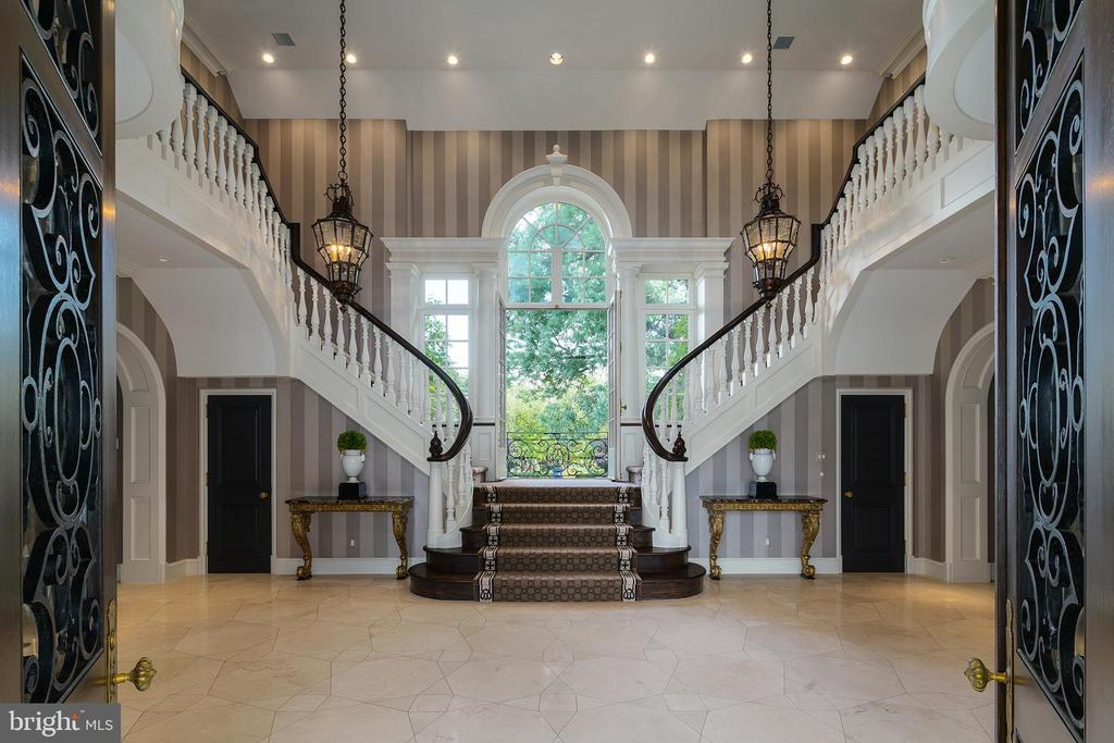 Breathtaking two story Foyer with dual staircase - 733 N SPRING MILL RD, VILLANOVA