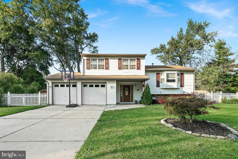 Single Family Homes für Verkauf beim Eastampton, New Jersey 08060 Vereinigte Staaten