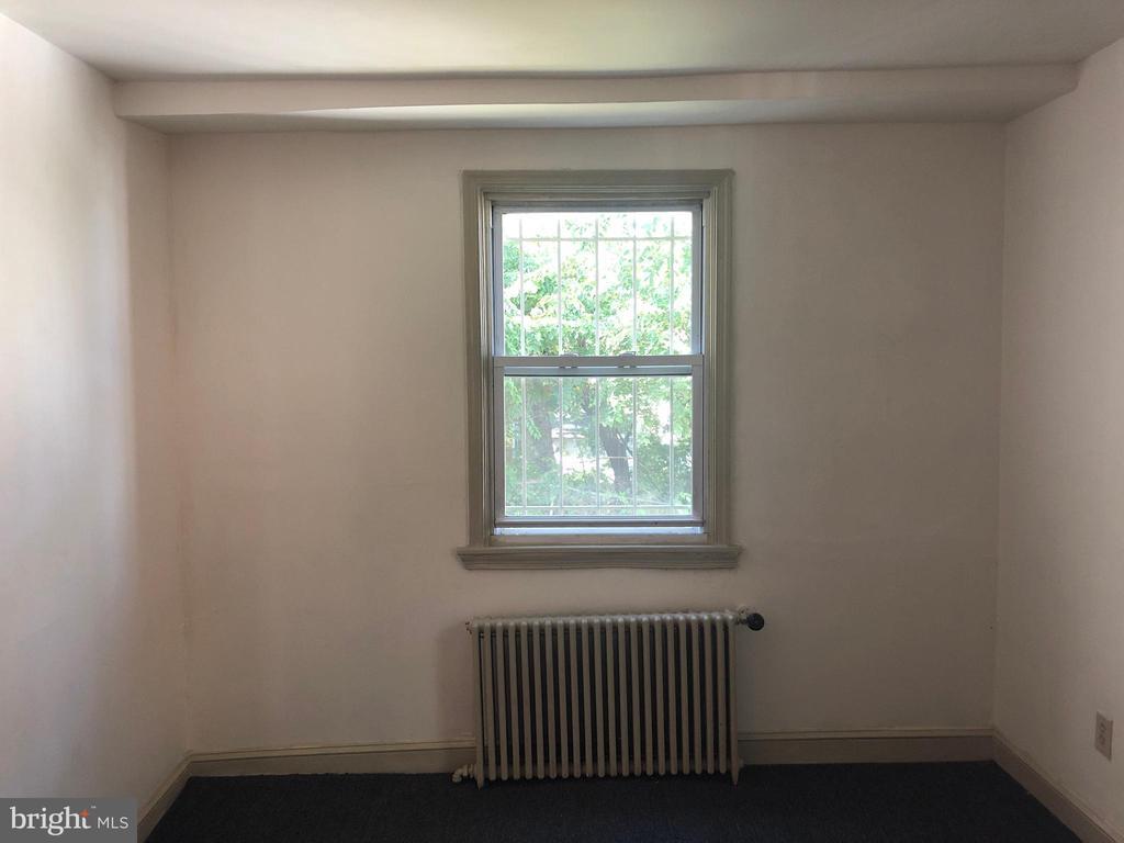 Bedroom #1 (main level) - 918 47TH ST NE, WASHINGTON