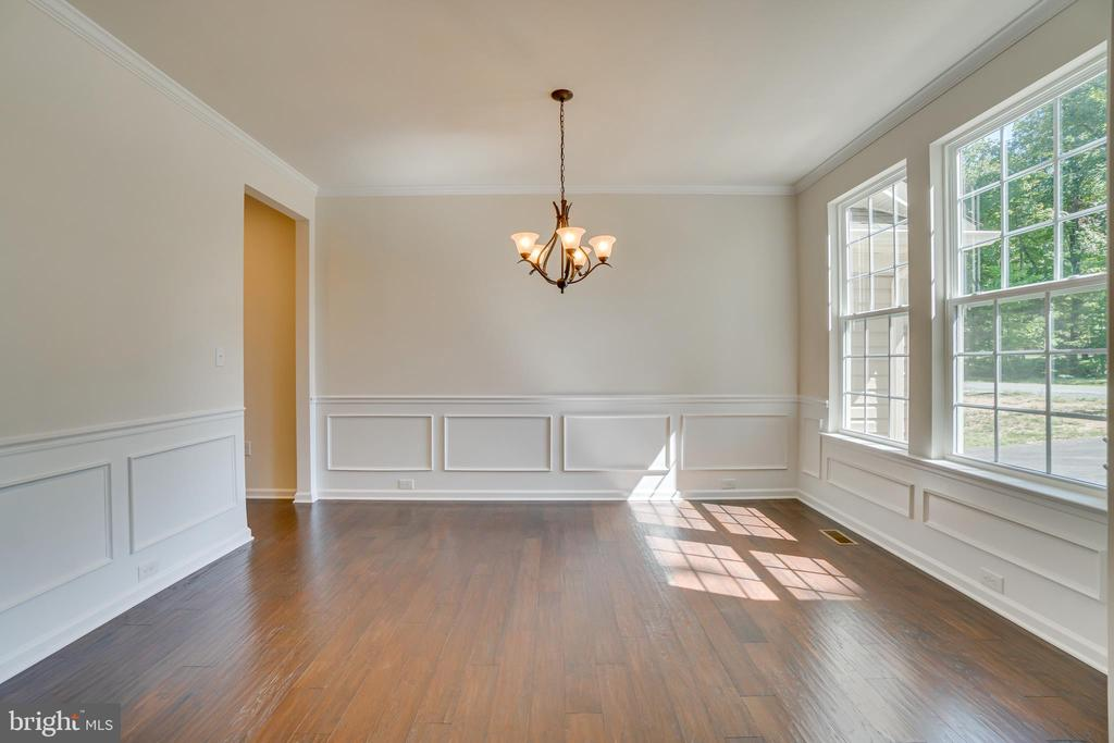Wainscoting and Crown Molding Formal Dining Room - 219 ROCK RAYMOND DR, STAFFORD