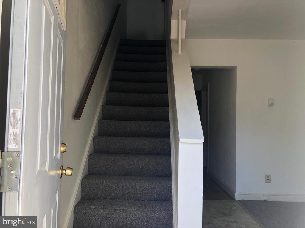 Stairs up - 918 47TH ST NE, WASHINGTON