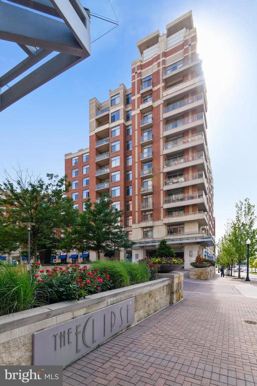 Everyone wants to live at the Eclipse! - 3600 S GLEBE RD #222W, ARLINGTON