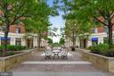 Lovely Courtyard has Restaurants and Retail! - 3600 S GLEBE RD #222W, ARLINGTON