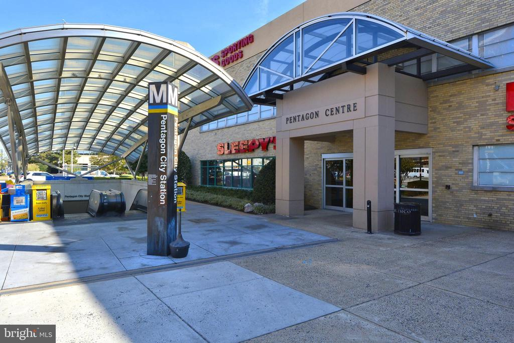 Soon to be TWO Metro Stops nearby! - 3600 S GLEBE RD #222W, ARLINGTON