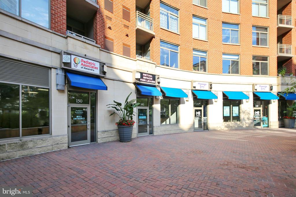 Courtyard has retail! - 3600 S GLEBE RD #222W, ARLINGTON