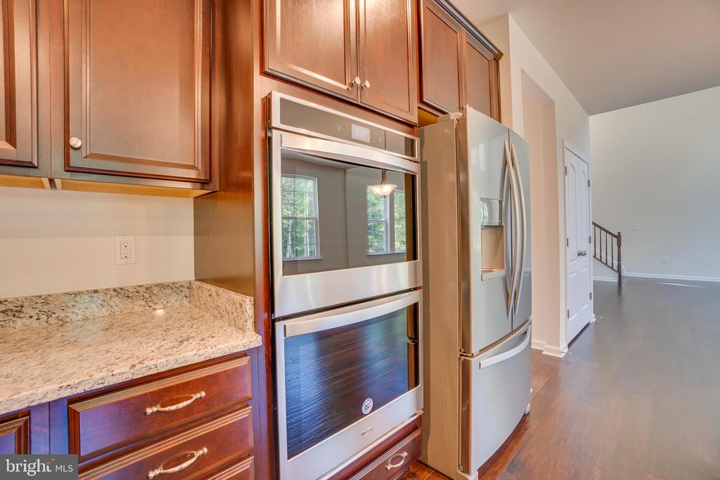 Gourmet Appliance Upgrade ($925) - 219 ROCK RAYMOND DR, STAFFORD