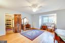 Master bedroom w/ bonus room or huge w/in closet - 1106 LITTLEPAGE ST, FREDERICKSBURG
