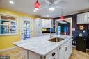 Great kitchen island - 1106 LITTLEPAGE ST, FREDERICKSBURG