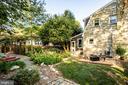 Side yard & gardens - 1106 LITTLEPAGE ST, FREDERICKSBURG