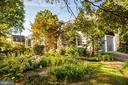 Front gardens - 1106 LITTLEPAGE ST, FREDERICKSBURG