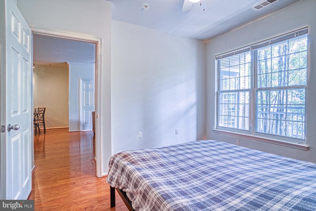 Master bedroom with en-suite bathroom - 3015 NICOSH CIR #2204, FALLS CHURCH