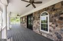 Covered Front Porch - 15435 BARNESVILLE RD, BOYDS