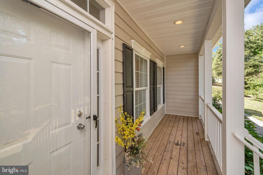 Front Door/porch - 382 HOPE RD, STAFFORD
