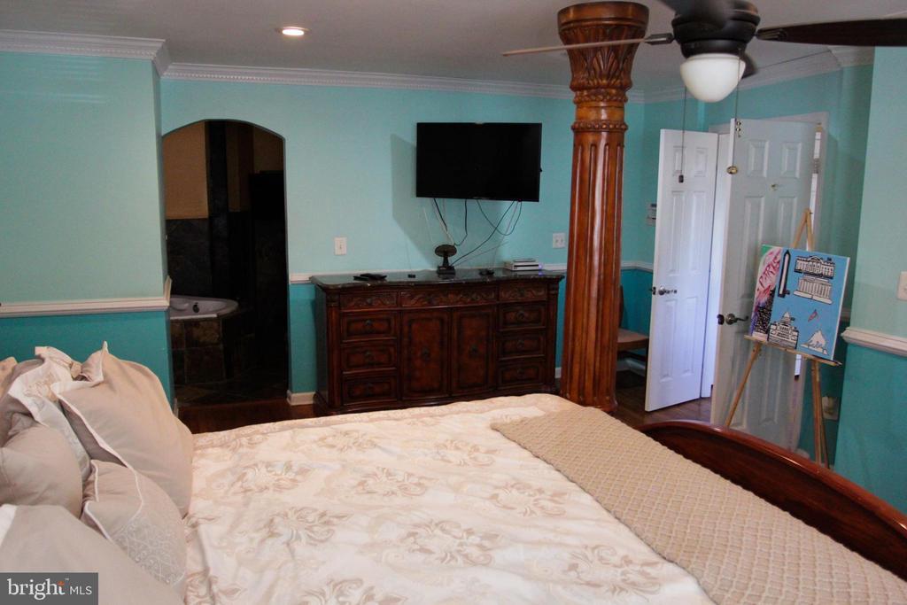 Main Level Masrer Bedroom - 4269 FOOTE ST NE, WASHINGTON