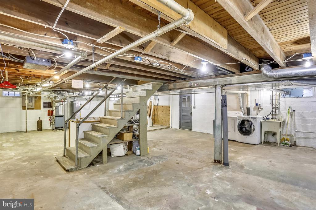Basement with outside entrance - 4417 BRADLEY LN, CHEVY CHASE