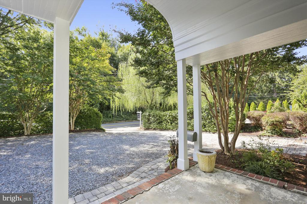 Large covered porch - 4417 BRADLEY LN, CHEVY CHASE