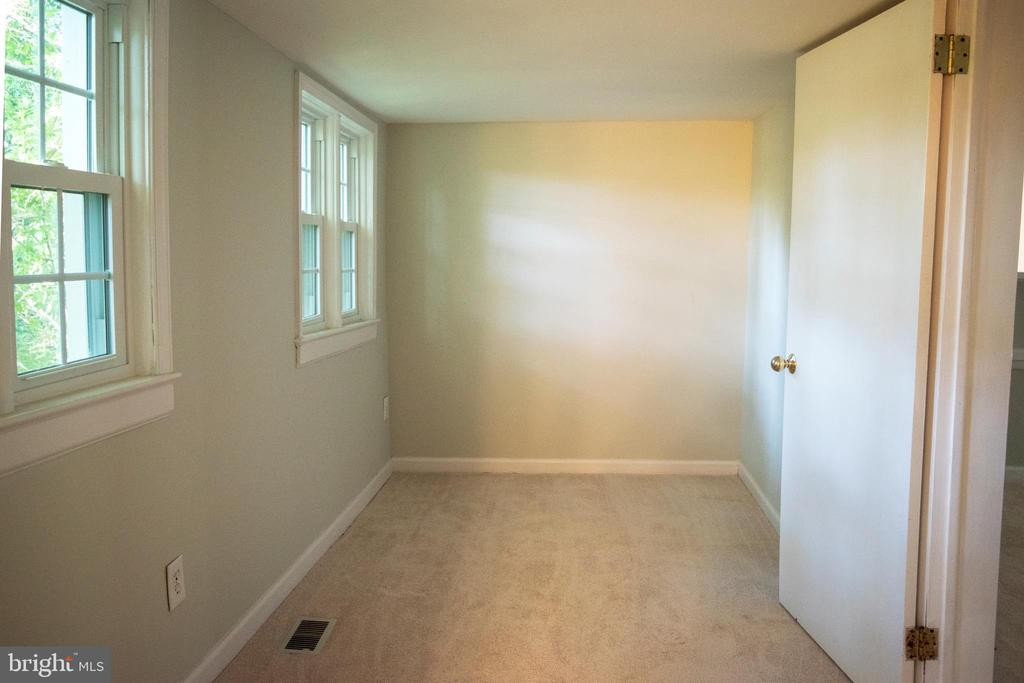 Extra Nook/Room to exercise, study, or you choose - 11579 HOGAN PL, MANASSAS