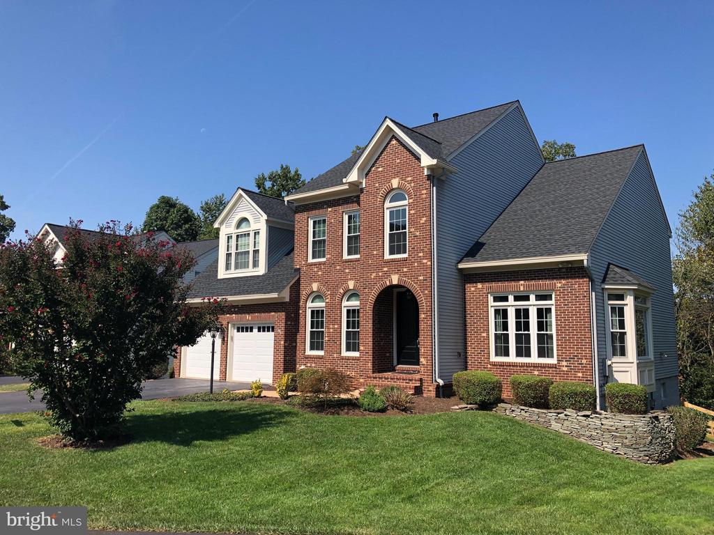 WELCOME HOME! - 46432 MONTGOMERY PL, STERLING